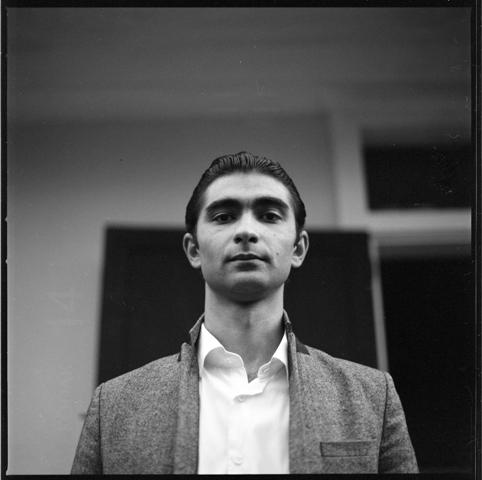 Portrait en noir&blanc du pianiste Ienissei Ramic